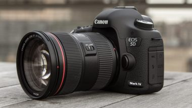 GeeklessTech Gadget Review: Canon EOS 5D Mark IV